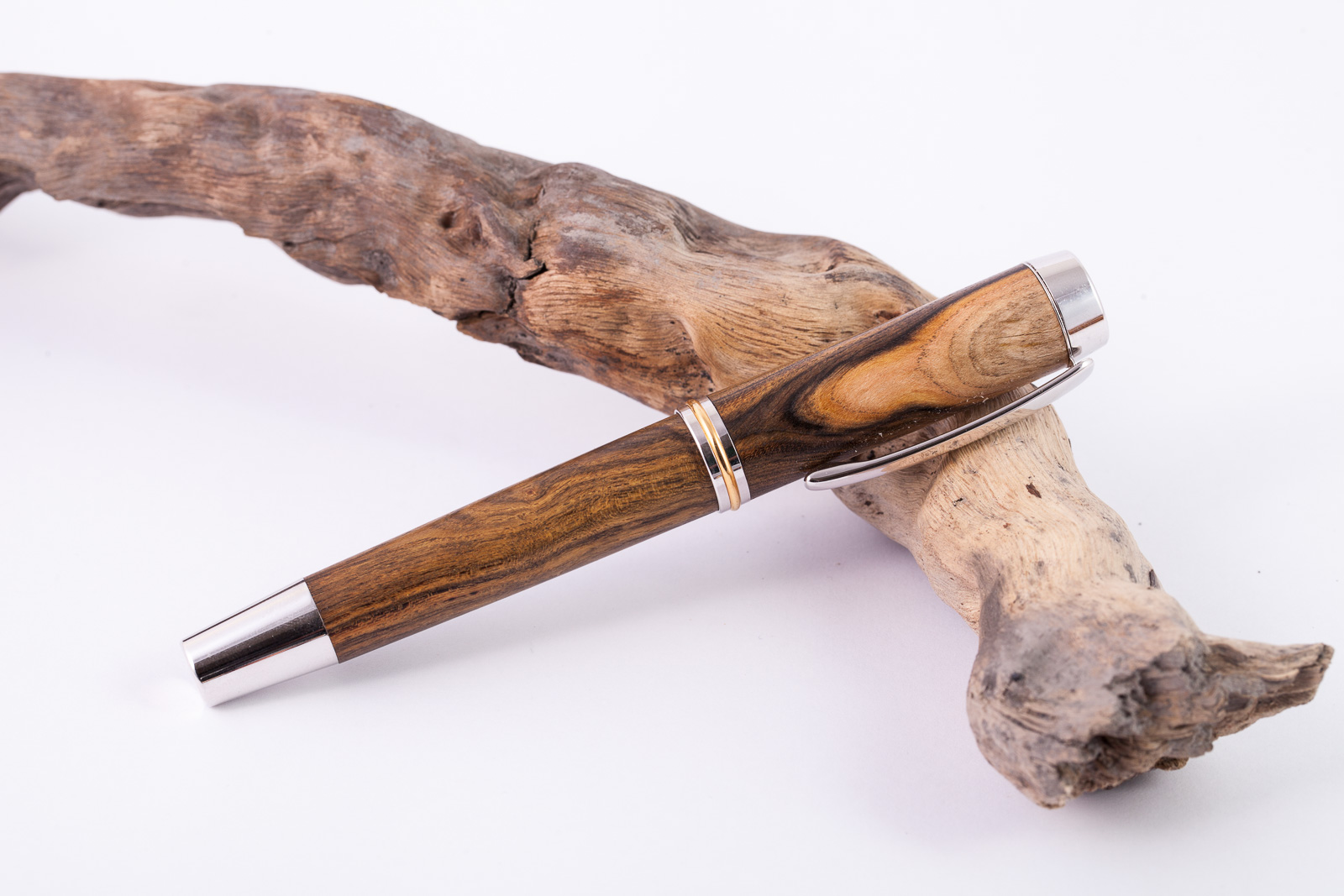Holz-Füllfederhalter-Pistazie