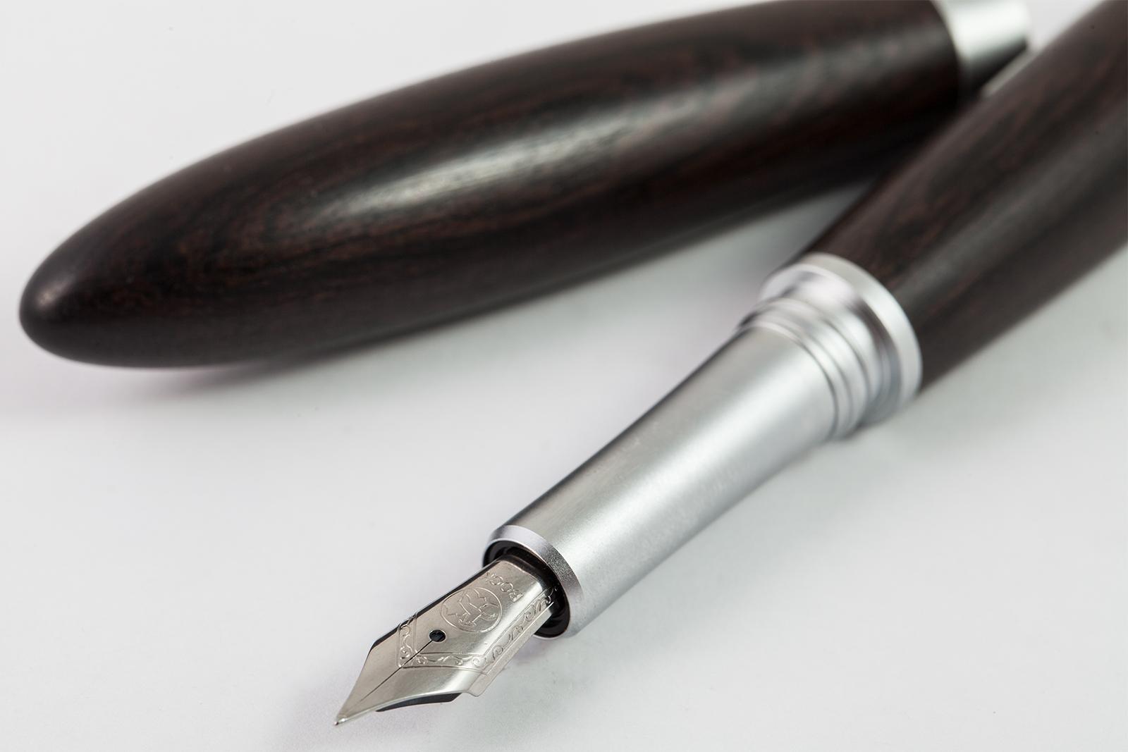 Holz-Füllfederhalter-Hasba-Grenadill-Bockfeder-002