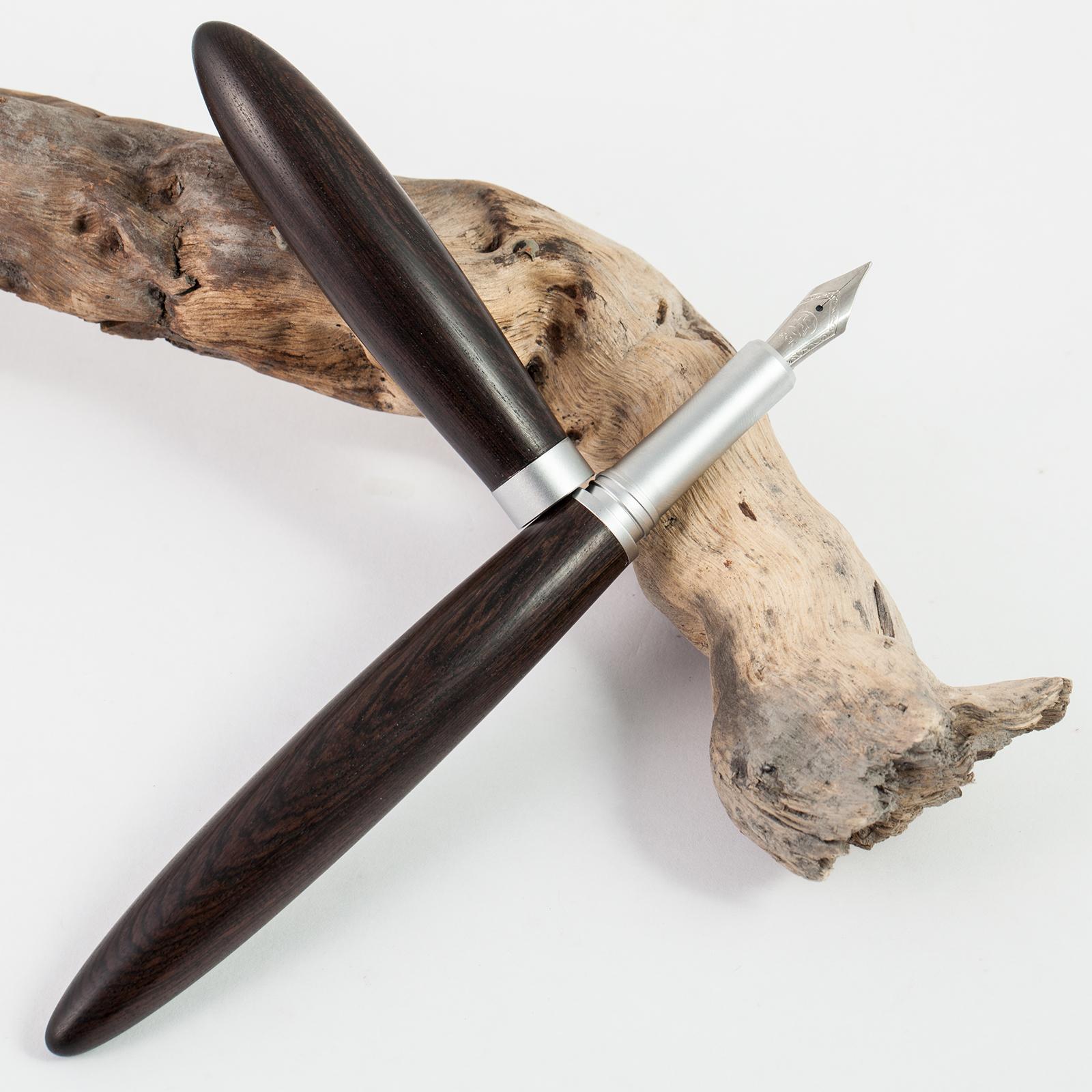 Holz-Füllfederhalter-Hasba-Grenadill-Bockfeder-004